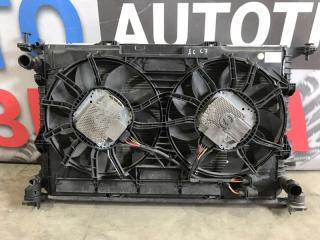 Радиатор охлаждения двигателя Audi A6 2013 года