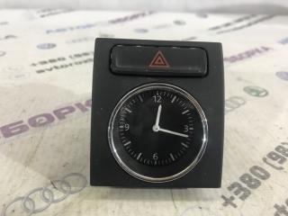 Часы Volkswagen Passat 2017 год