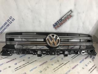 Решетка радиатора Volkswagen Tiguan 2013 год