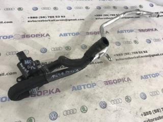 Патрубок охлаждающей жидкости Audi A6 2014 год