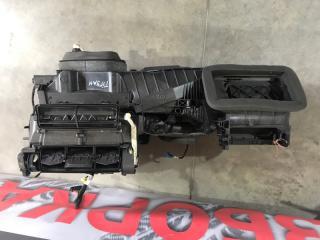 Печка Корпус Моторчик Радиатор (В сборе) Volkswagen Tiguan 2013 год