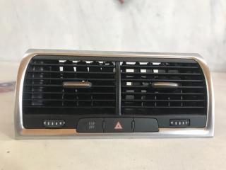 Дефлектор воздуховода Audi Q7 2013 год