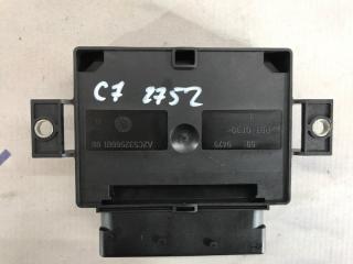 Блок управления стояночным тормозом Audi A6 2013 года