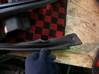 Уплотнитель дверей Subaru Legacy BP5 EJ20x