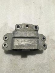 Запчасть опора двигателя левая VW Passat (B6) 2005-2010