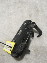 Запчасть крючок капота VW Passat (B6) 2005-2010