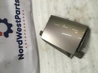 Запчасть планка под фонарь правая Nissan Note (E11) 2006-2013
