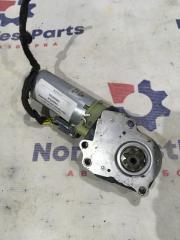 Запчасть моторчик регулировки сиденья Volvo XC90 2002 >