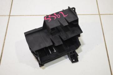 Запчасть кронштейн блока управления AUDI A6