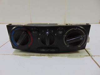 Запчасть блок (консоль) управления климатической установкой MAZDA MPV 2003