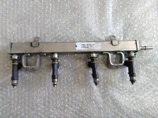 Рейка топливная (рампа) в сборе с форсунками (2.0л LF) MAZDA 3 (BK) 2002-2009