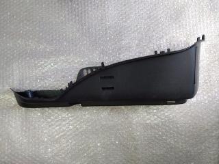 Обшивка багажника (задняя левая под ремень) хэтчбек MAZDA 3 (BK) 2002-2009