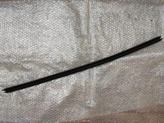 Бархотка уплотнитель стекла передней правой двери OPEL ASTRA-H (2004-2015)