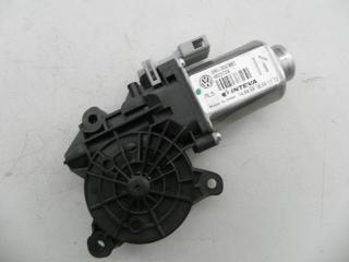 Мотор стеклоподъемника двери передней правый VOLKSWAGEN POLO 09-