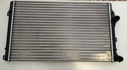Радиатор охлаждения VOLKSWAGEN GOLF VI 09-