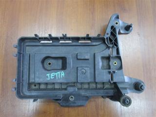 Запчасть крепление аккумулятора Volkswagen Jetta