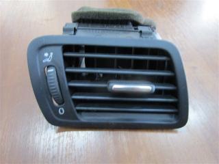 Запчасть дефлектор передний правый Volkswagen Passat 2006