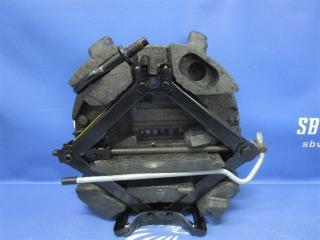 Запчасть набор инструмента Ford Focus 2009г.