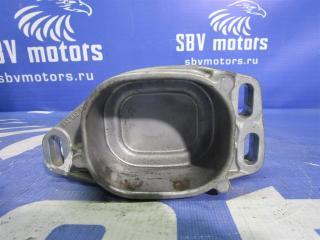 Запчасть кронштейн подушки двигателя Volkswagen Passat 2004