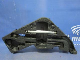 Запчасть ящик для инструмента Volkswagen Touareg 2006