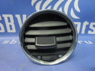 Запчасть дефлектор Peugeot 308 2010