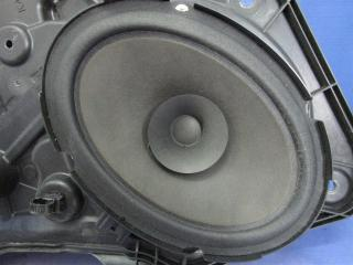Запчасть динамик задний правый Mazda 3