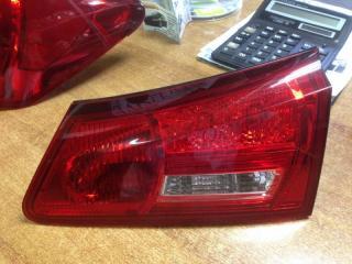 Запчасть фонарь вставка багажника задний правый Lexus IS250 2006-2008