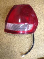 Запчасть фонарь вставка багажника задний правый Nissan Wingroad 1998-2001