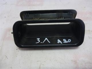 Запчасть накладка двери задняя левая Audi 80 1990