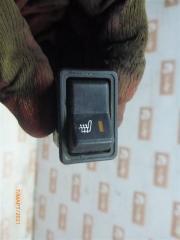 Запчасть кнопка обогрева сидений ВАЗ 2109
