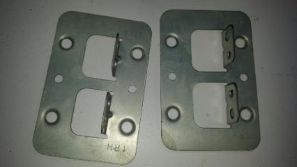 Крепление магнитофона переднее LIBERTY 2001 RM12 QR20DE