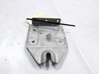 Крепление магнитофона MITSUBISHI PAJERO 1992.09