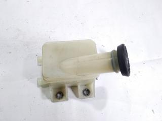 Запчасть бачок для тормозной жидкости TOYOTA HIACE 1996