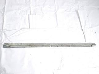 Пластик замка багажника задний NISSAN SAFARI 1995