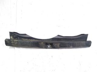 Пластик замка багажника задний HONDA AIRWAVE 2009