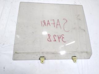 Запчасть стекло двери заднее левое NISSAN SAFARI 1989