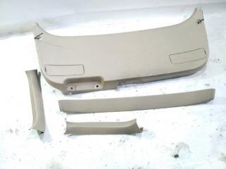 Обшивка двери багажника TOYOTA GAIA 2004