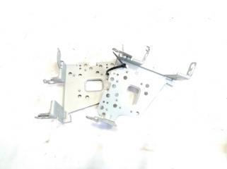 Запчасть крепление магнитофона переднее TOYOTA COROLLA FIELDER 2005