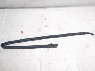 Уплотнение дверное переднее левое NISSAN TERRANO REGULUS 2001