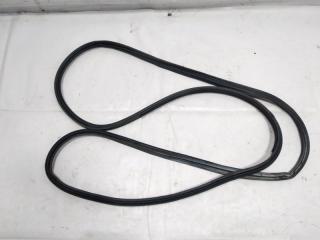 Запчасть уплотнительная резинка багажника задняя NISSAN PRESAGE 1998