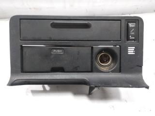 Пепельница передняя TOYOTA HIACE 1995
