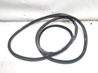Уплотнительная резинка багажника задняя NISSAN TERRANO REGULUS 1999