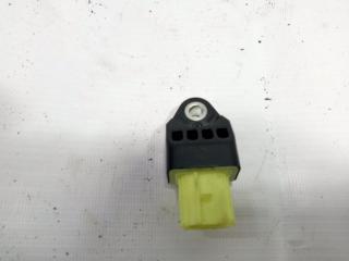 Запчасть датчик airbag задний левый TOYOTA COROLLA FIELDER 2013