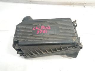 Корпус воздушного фильтра TOYOTA CALDINA 1996