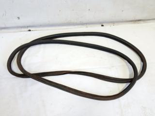 Запчасть уплотнительная резинка багажника задняя MITSUBISHI COLT 2007