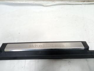 Накладка на порог салона передняя левая S-CLASS 2001 WDB220 M113E55