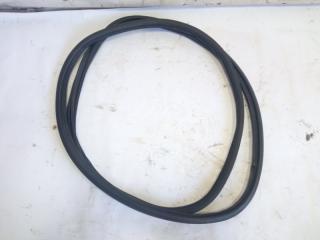 Уплотнительная резинка багажника задняя NISSAN XTRAIL 2001