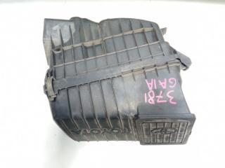Корпус воздушного фильтра передний TOYOTA GAIA 2000