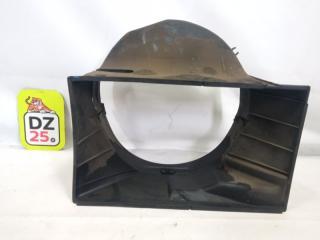 Диффузор радиатора передний TOYOTA TOWN ACE 1993