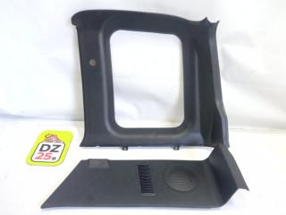 Обшивка багажника задняя правая SUZUKI ESCUDO 1995